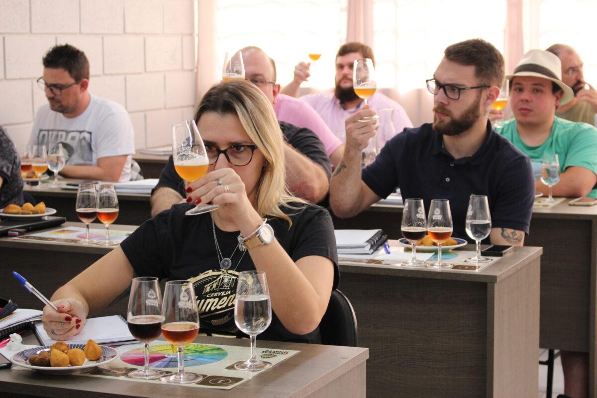 Escola Superior de Cerveja e Malte chega a Portugal e oferece 7 cursos a  partir de setembro